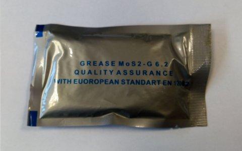 Kenőzsír grafitos 300 ml (tasakos féltengely gumiharanghoz (10x30ml))